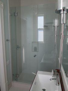 Hotel Shower Door Frameless (1)
