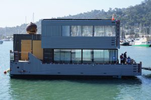Sky-Frame SF-Bay Moving into Dock